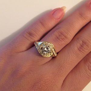 Jewelry - Yellow Gold Diamond Ring
